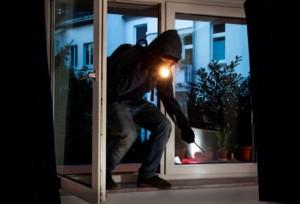 St. Leon-Rot: Einbrecher erbeutet Uhren sowie Gold- und Silbermünzen - Zeugen gesucht