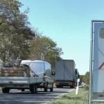 Autofahrerin kollidiert mit Wildschwein – entgegenkommendes Auto überfährt Tier