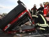 Feuerwehr Wiesloch sucht alte Autos – für realitäsnahe Übung – es könnte später auch Ihr Leben retten – wenn es um Sekunden geht SIE aus dem Auto zu befreien
