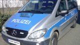Brühl: Pkw kippt im Keisverkehr zur Seite. Fahrerin leicht verletzt.