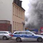 Mannheim-Neckarstadt-West – Grossbrand auf einem Schrottplatz