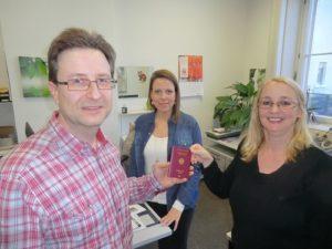 Erster Reilinger Bürger mit neuem Reisepass 2017