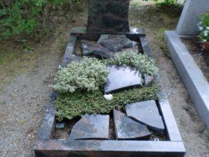 Hockenheim - Vandalen verursachen auf Friedhof großen Schaden
