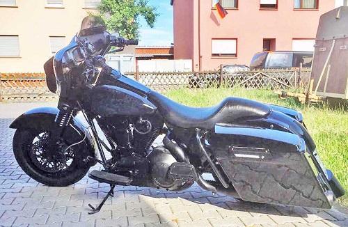 POLIZEI bittet um MITHILFE - Hockenheim: Harley Davidson entwendet Pressemitteilung Fahndung mit Foto