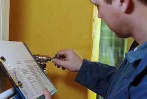Die Heizungsanlage für in 2 Monaten JETZT FIT MACHEN - Heizung Sanitär Krämer Reilingen, Heizung Sanitär Krämer Reilingen IHR MEISTERBETRIEB, Boilerreparatur, Wasserleitungen reparieren, Heizung testen, Heizung einstellen, Heizkörperventile prüfen,