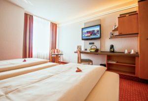 Palatin Wiesloch Boardinghouse Hotel Wiesloch, Herr Schindlmeier, TVüberregional im Palatin,