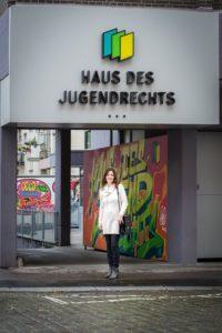 Haus des Jugendrechts Mannheim Neue polizeiliche Leiterin des Hauses des Jugendrechts ins Amt eingeführt. Zum Aufgabengebiet des Hauses des Jugendrechts ...
