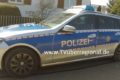 Reilingen: 57-jähriger Radfahrer kollidiert mit Nissan-Fahrer und prallt gegen Windschutzscheibe