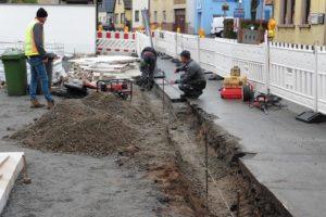 Reilingen, Hauptstraße am Anschluss Bierkellergasse für zwei Tage halbseitig gesperrt P1040815