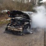 Epfenbach, Rhein-Neckar-Kreis: Mini völlig ausgebrannt – Kreisstraße voll gesperrt – keine Verletzten