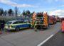 Brennender BMW X3 in Höhe Tank und Rast Hardtwald-Ost, Autobahn A5