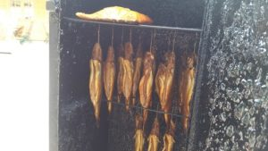 Freudensprung Markttag, frisch geräucherter Fisch von Kalles Heissrauch Fische, jeden Samstag in Dielheim Freudensprung