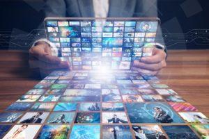 Die bekanntesten Streaming-Dienste, Fernsehverhalten und Pay-TV in Deutschland Argumente für Pay-TV Individuelle Angebote Die bekanntesten Streaming-Dienste Amazon Prime Netflix Maxdome Sky,