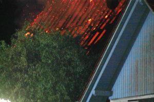 Gorxheimertal/ Unter-Flockenbach: ++Nachtragmeldung zu # 3428965++ Dachstuhlbrand eines Retaurants