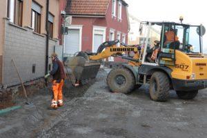Auf Ver- und Entsorgungsleitungen folgt der Straßenbau
