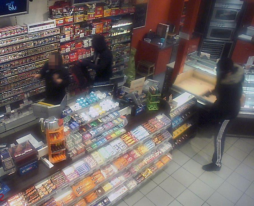 Überfälle auf Tankstellen, Zeugen gesucht, Region TVüberregional