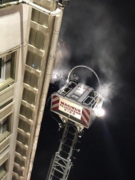 China-Restaurant steht komplett in Flammen