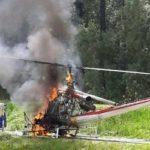 Hubschrauber nach Landung in Brand geraten