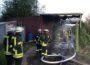Lagerhalle steht in Vollbrand / Rauchwolke weit sichtbar gewesen