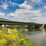 Die alte Neckarbrücke wird ausgeschifft
