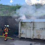 Müllpresse in Brand geraten