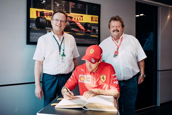 019-07-29 Verwaltung_Goldenes Buch Vettel