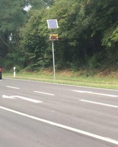 Daueraufgabe L546, Geschwindigkeitsanzeige zur Sensibilisierung der Autofahrer installiert