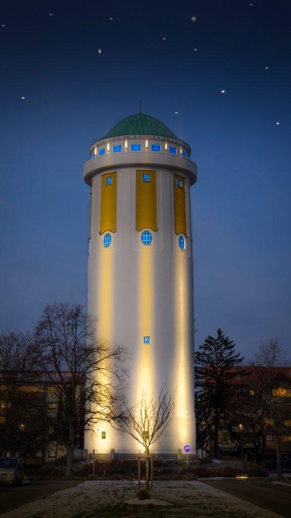 Der Wasserturm in Hockenheim wird durch eine Veranstaltungsreihe zum Mittelpunkt der Denkrichtung des Humanismus
