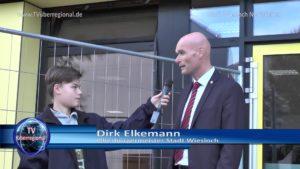Oberbürgermeister Dirk Elkemann, Fabian Kolb, Moderator-Praktikant bei TVüberregional