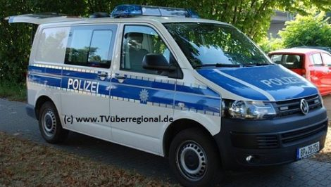 Heidelberg: Mit Bierkrügen vom Balkon einer Studentenverbindung auf Passant geworfen – Polizeibeamte beleidigt