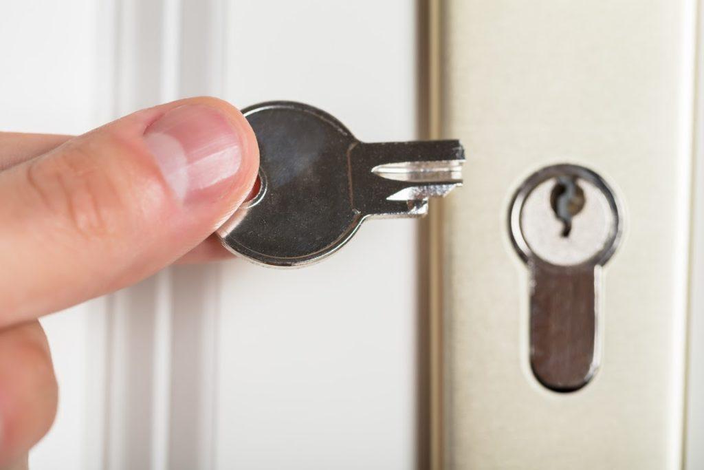 Türöffnung ohne Schlüssel für die Bewohner von Bonn, Düsseldorf und Essen