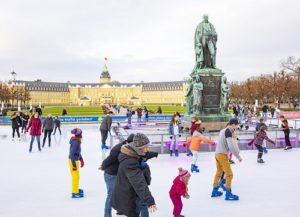 Besucherrekord zum Jahreswechsel , Noch drei Wochen Eislaufspaß vor dem Karlsruher Schloss