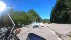 Grausam - eigenen Motorrad Unfall mit Dashcam gefilmt