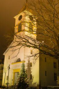 Zu seinem 200 ten Geburtstag erstrahlt die Fassade des evangelischen Gotteshauses in hellem Licht