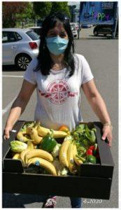 Mundschutz-Maske und Spende an Circus Manuel Weisheit, auf dem Bild, Carmen Döll