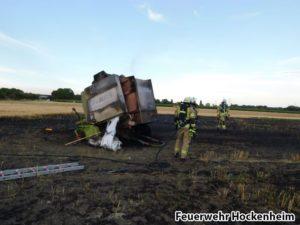 Strohballen- und Rundballenpressenbrand, Feuerwehr Hockenheim