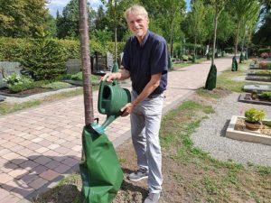 Wassersäcke gegen Klimawandel, Wassersäcke für Bäume, Stadtverwaltung Hockenheim