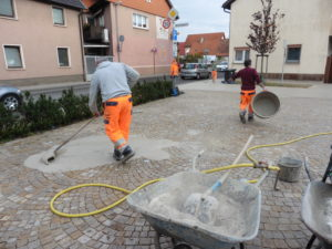 Reilingen, Pflastersteine Pflegearbeiten, Gemeinde Reilingen (2)
