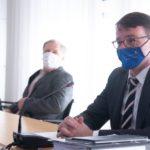 Maskenpflicht bei mehr als einem Hausstand: Sachsen verbietet Sonnenbrille und Mütze im Auto