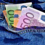 Falsche Polizeibeamte rufen Seniorin an und erbeuten knapp 23.000 Euro
