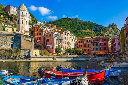 Ligurien-entdecken-und-geniessen-Ligurien-ein-300-Kilometer-langer-schmaler-Kuestenstreifen-entlang-des-Mittelmeers